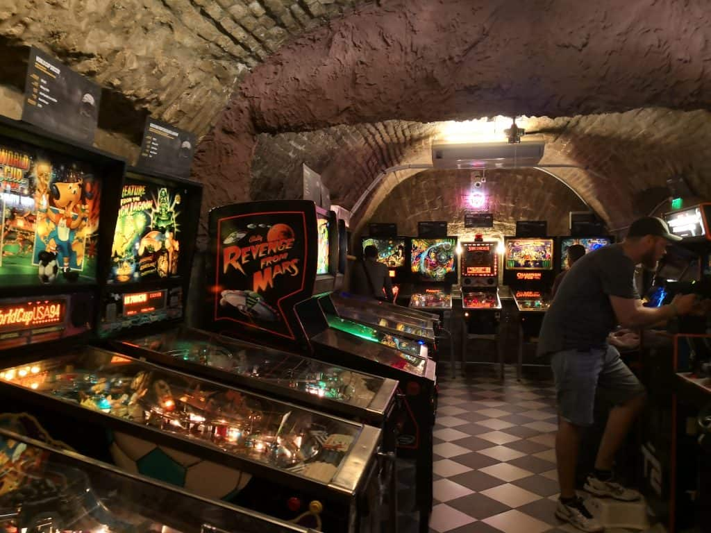 Budapest Day #2 - 10.30am Craft Beer, Walking & Pinball 10