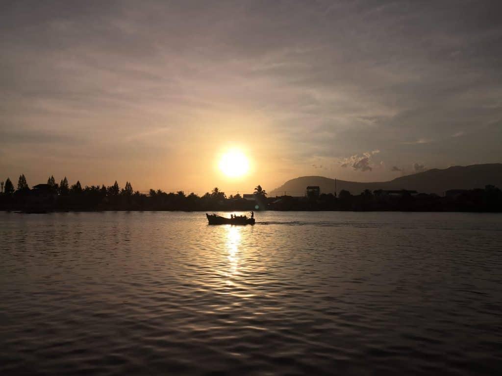 kampot sunset cruise