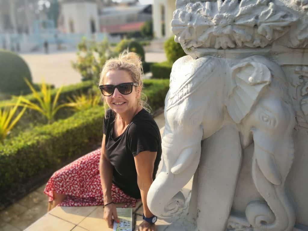 royal palace buildings Phnom Penh